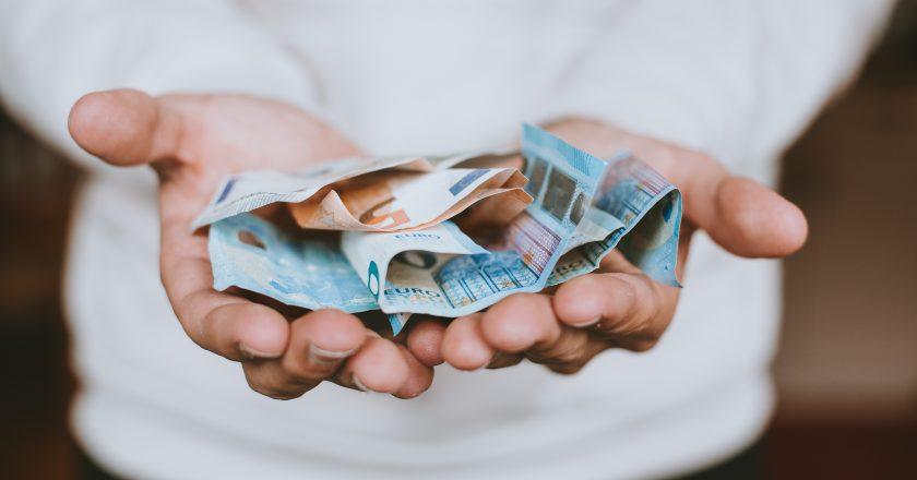 Ingresso Vital na Espanha: saiba quais brasileiros têm direito a novo benefício de até € 1.015