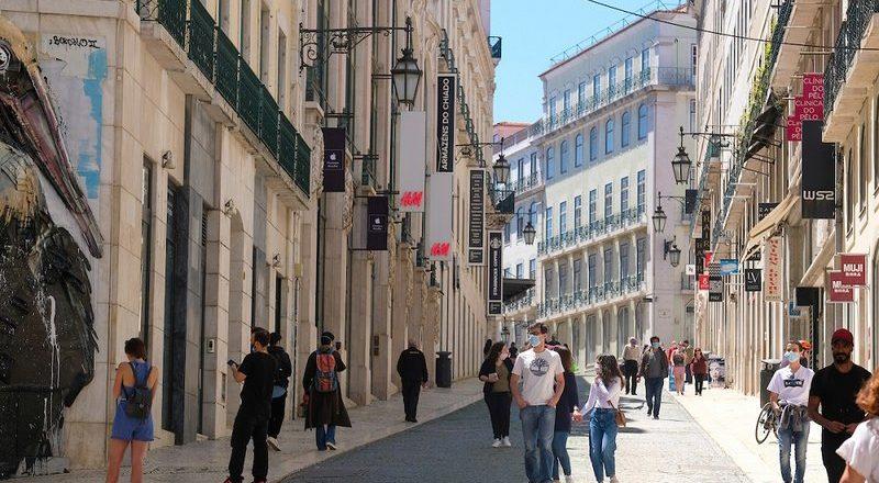 Comércio retoma horário pré-pandemia em Lisboa