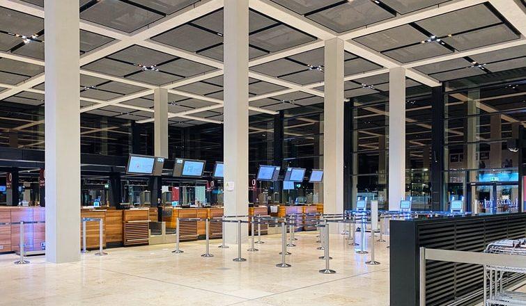 Portugal: Governo vai pagar advogados para imigrantes barrados em aeroportos