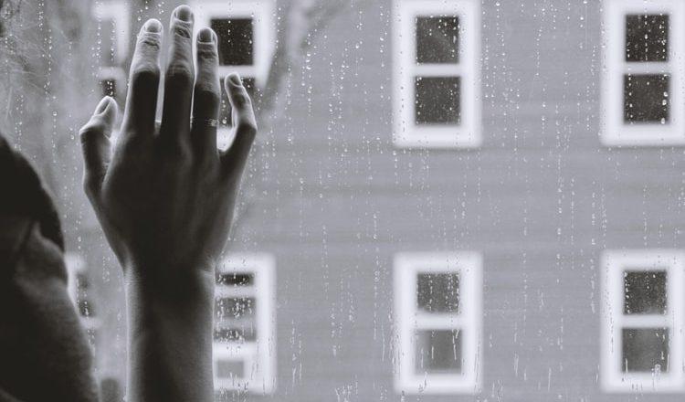 Pandemia agrava violência doméstica na Europa e deixa mulheres desprotegidas