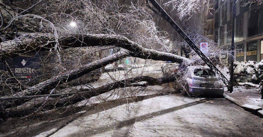 Neve causa transtornos e deixa um morto na Itália