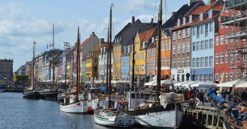 Dinamarca fecha shoppings e escolas em todo país para frear novo avanço da pandemia