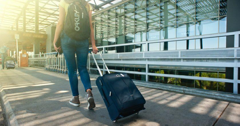 Reino Unido reduz quarentena para viagens do Brasil