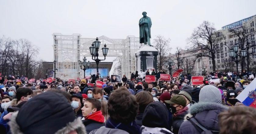 Protesto contra prisão de opositor russo termina com milhares de detidos