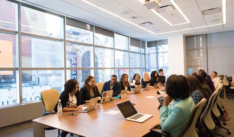 Alemanha propõe cota obrigatória de mulheres à frente de empresas