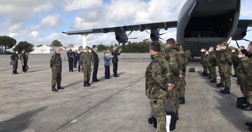 Portugal recebe equipe médica alemã para tratar doentes graves com Covid-19