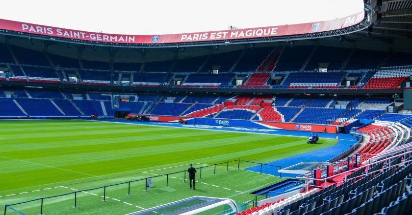 França define neste sábado retorno de público aos estádios