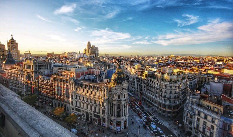Espanha prorroga restrições para viajantes do Brasil