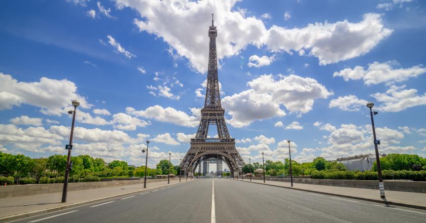 Líder mundial, França vê turismo despencar em um ano de pandemia