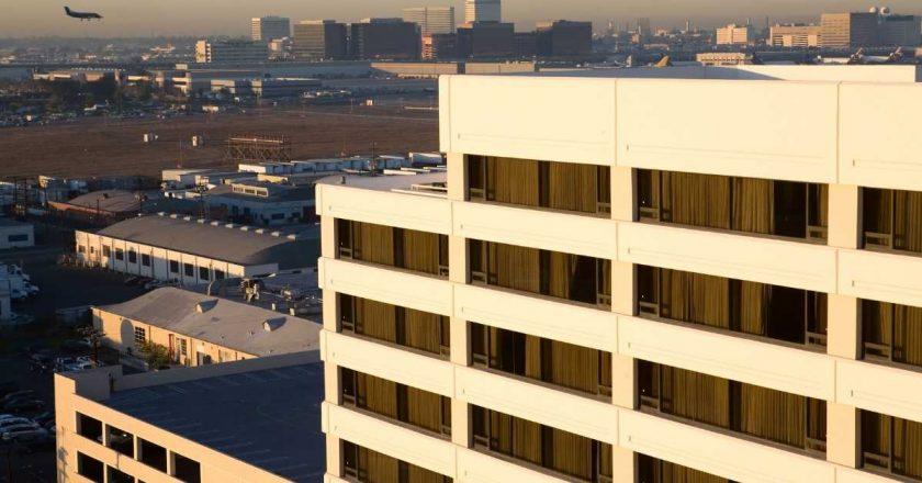 Quarentena obrigatória em hotel inicia nesta semana, diz ministro irlandês