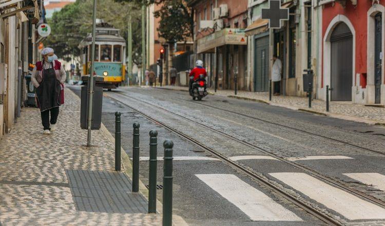 Pandemia: crise retira empregos e afeta legalização de imigrantes em Portugal