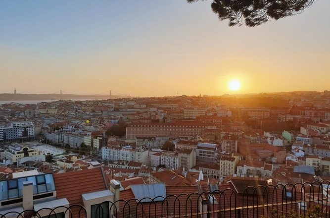 Portugal: imigração libera renovação automática de 16 mil residências