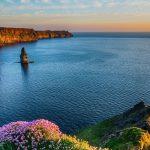 Irlanda libera viagens dentro do país e anuncia reabertura de lojas em maio