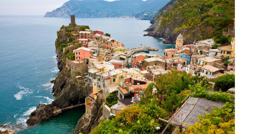 União Europeia vai permitir entrada de turistas vacinados