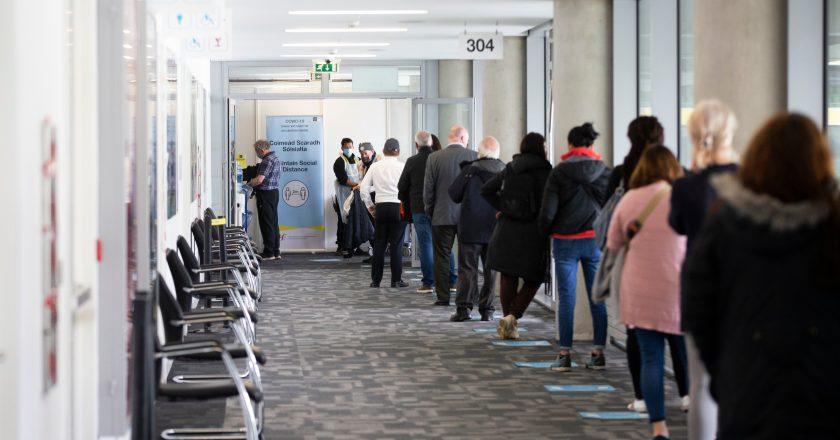 Irlanda abre registro neste domingo para vacinar maiores de 35 anos