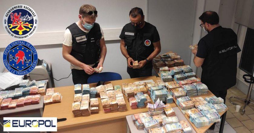 Polícia francesa descobre esquema que desviou €12 milhões do auxílio Covid-19