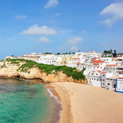 Reino Unido retira Portugal da lista de viagens sem quarentena