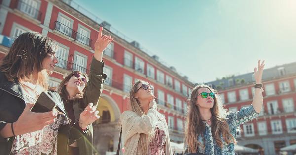 Entrada de turistas estrangeiros na Espanha cresce 71% em maio