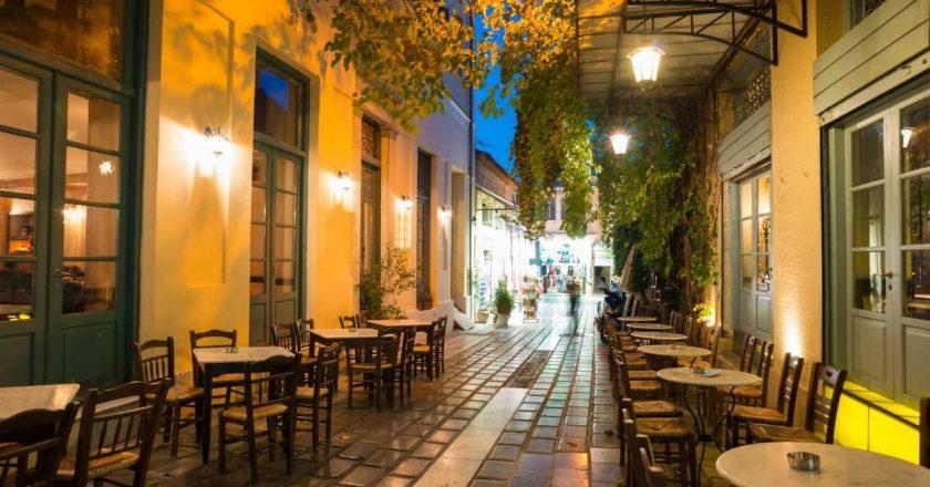 Grécia volta a impor restrições após aumento de casos de Covid-19