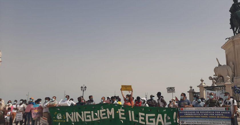Imigrantes protestam contra demora no processo de vistos em Portugal