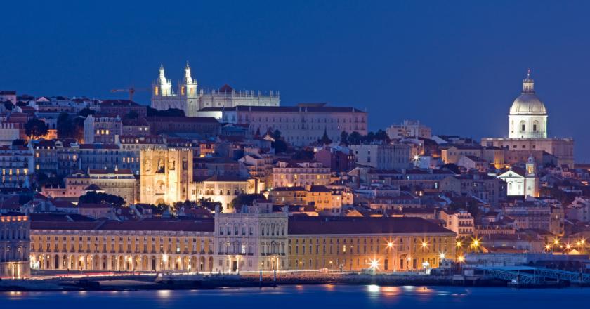 Sobe para 90 o número de cidades com toque de recolher em Portugal