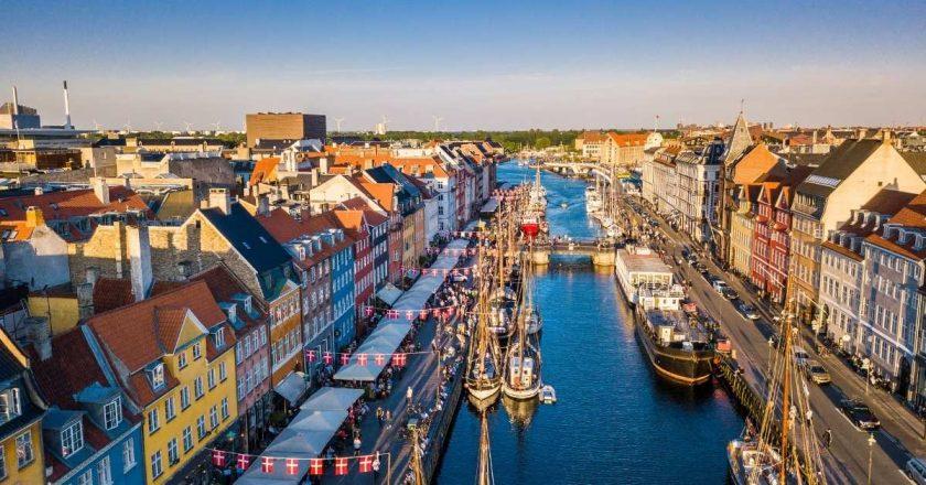Dinamarca anuncia fim das restrições da pandemia em setembro
