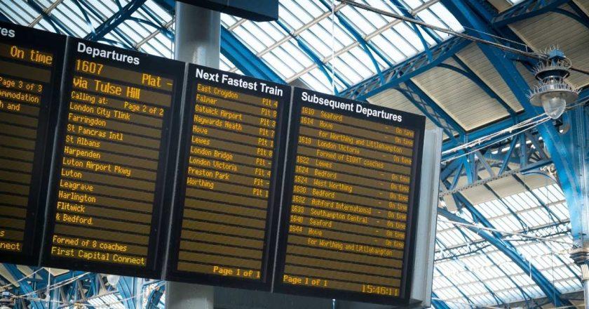 """Reino Unido inclui mais sete países à """"lista verde"""" de viagem"""