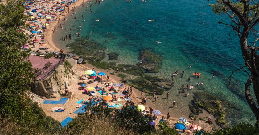 Catalunha decide manter toque de recolher em 148 municípios
