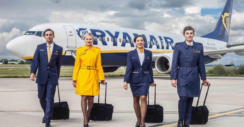 Ryanair abre 300 vagas de emprego em Portugal