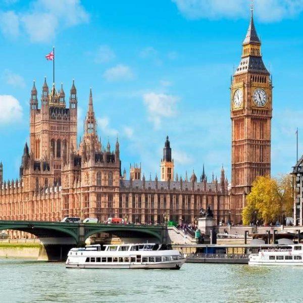 Reino Unido retira oito países da lista vermelha, mas mantém Brasil