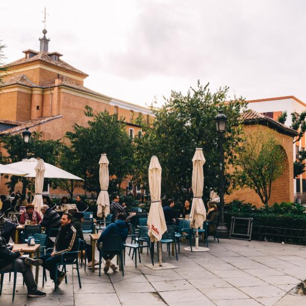 Madri: fim das restrições de horário em restaurantes, cinemas e teatros