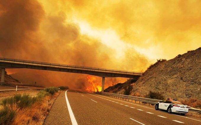 Quinto dia de incêndios no sul da Espanha já atinge 90 quilômetros