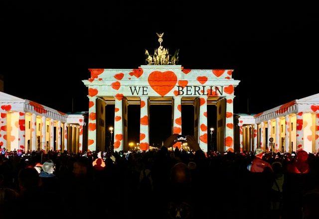Festival de Luzes de Berlim vai iluminar 75 edifícios da cidade