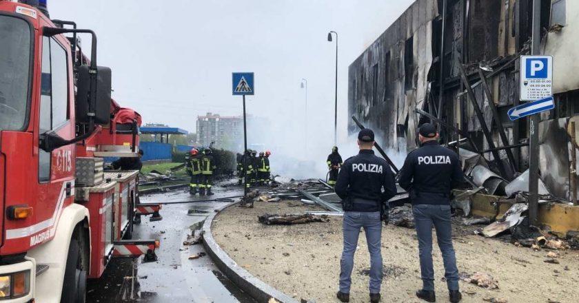 Queda de avião deixa mortos na região norte da Itália
