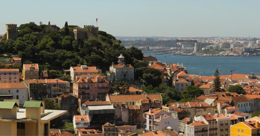 Portugal convoca 17 mil imigrantes para entrevista de legalização no país